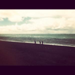 Caminando a las orillas del Estrecho de Magallanes